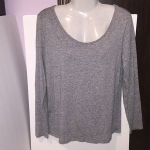 Ann Taylor LOFT gray long sleeved top. Size Large